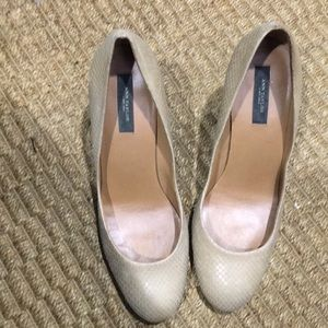 Taupe light sand leather pump size 8.5 ann Taylor